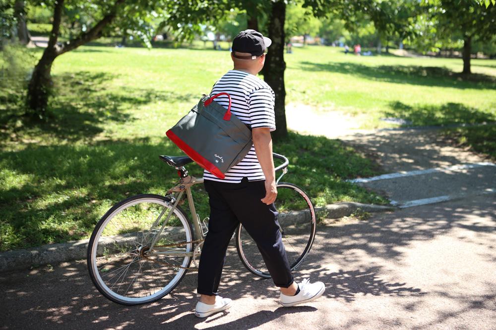 メッセンジャートートバッグ、ストラト手持ちにも便利